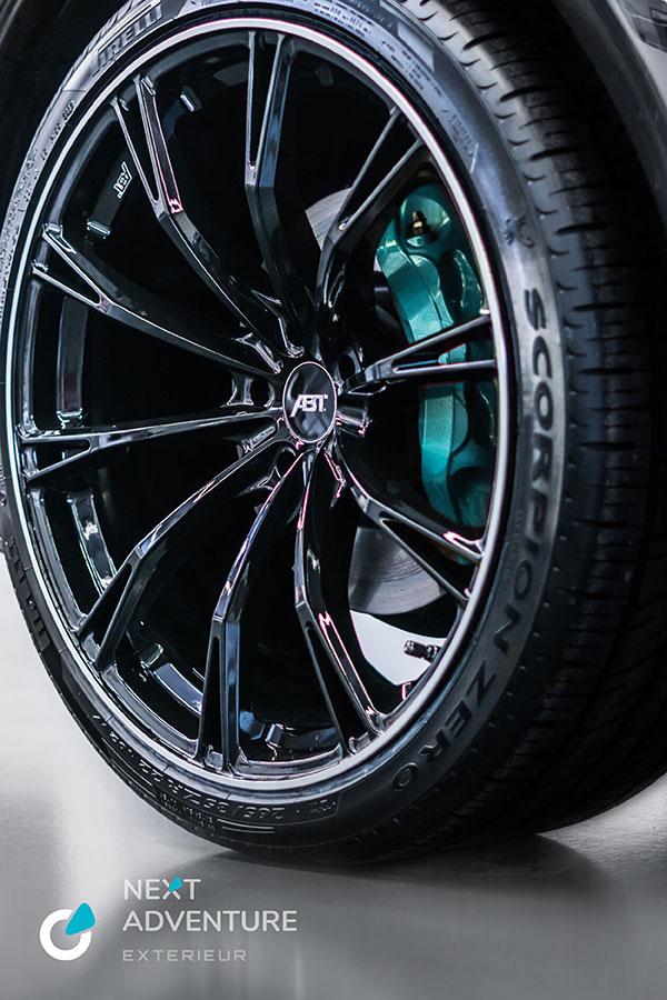 VW Volkswagen T6 Tuning Konzept von SCEND TUNING für Mutlivan und Caravan-Modelle, Felgen ABT Sport GR 20 Glossy Black, Bremssättel in Individualfarbe
