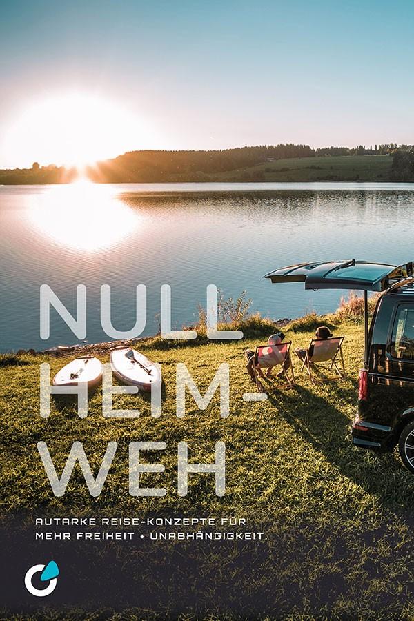VW Volkswagen T6 Tuning Konzept von SCEND TUNING für Mutlivan und Caravan-Modelle, zwei Leute sitzen entspannt auf dem Campingplatz am See neben einem Wohnmobil