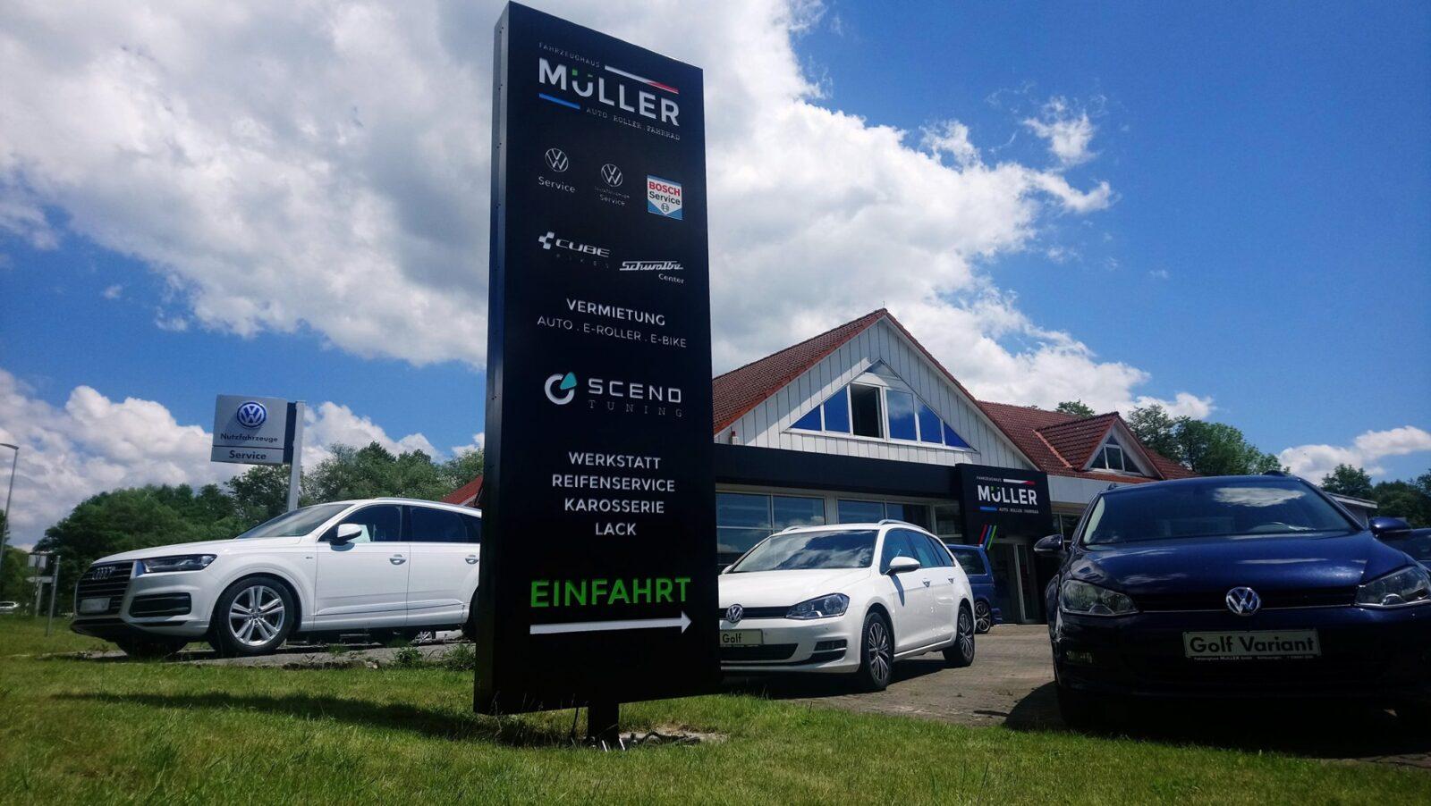 Außenansicht des Fahrzeughaus Müller, ein Autohaus für Neufahrzeuge, Gebrauchtwagen & Jahreswagen in Schleusingen